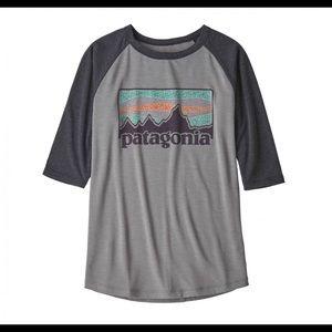 Patagonia- Boy's 1/2 Sleeve Logo Graphic Tee
